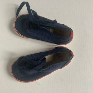 Gap Navy Blue and white sole shoes